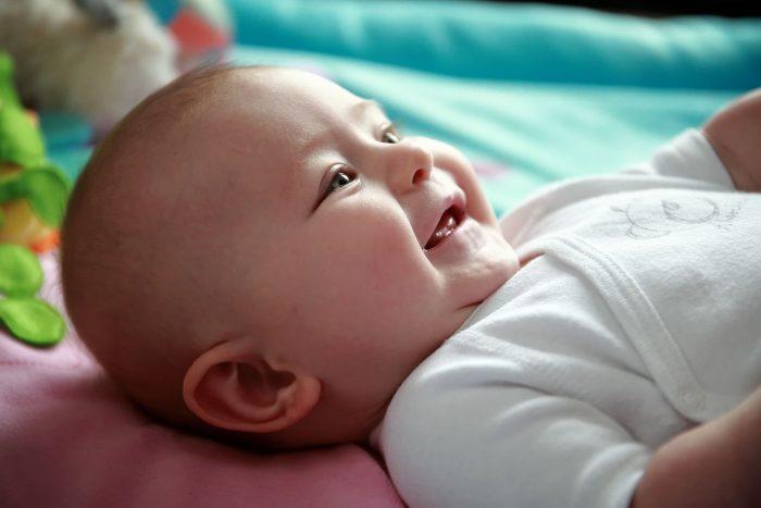 Book fotografico bambini a Giulianova, bimba che sorride
