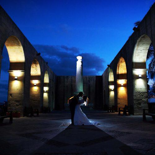 Wedding in Malta, sposarsi a Malta, wedding photos barrakka gardens in La Valletta,