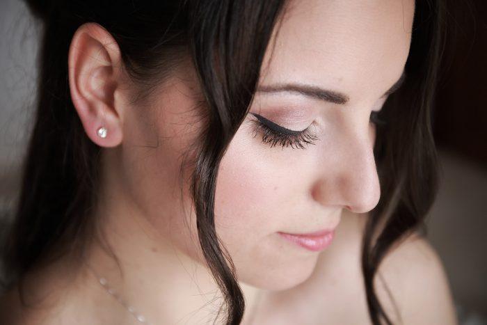 Immagine di profilo del viso della sposa
