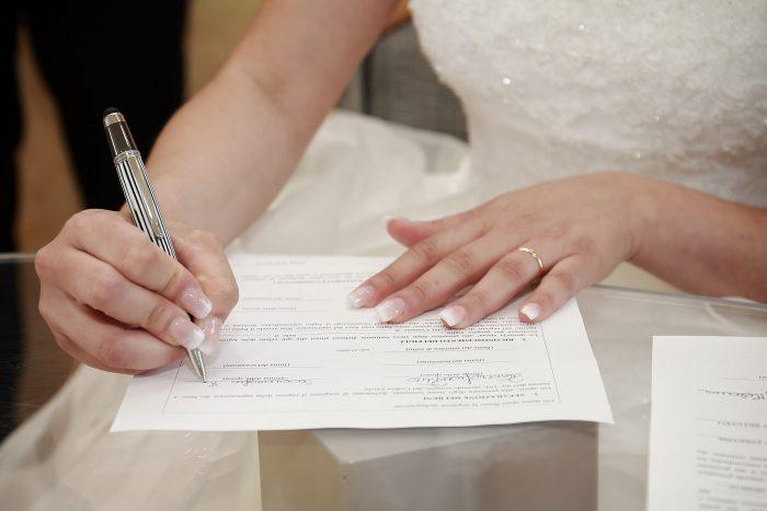 Particolare firma della sposa