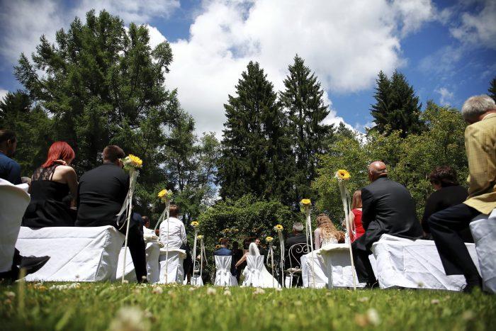 Matrimonio da Favola nella Foresta Nera, cerimonia nuziale al Parkhotel Adler a Hinterzarten in Germania, fotografo Provincia di Teramo, Abruzzo, Swiss wedding photographer