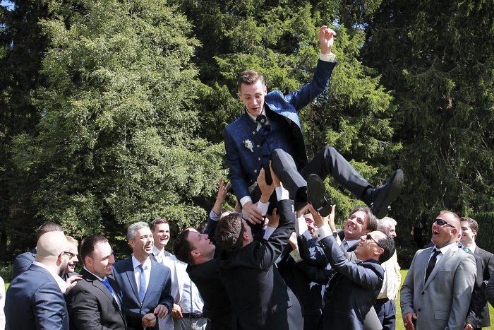 Fotografia di reportage, festeggiamenti al Parkhotel Adler di Hinterzarten in Germania, Hochzeitsfotograf in Deutschland
