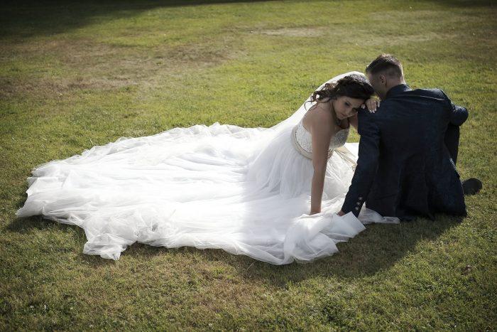 Una cerimonia da sogno, fotografia autentica e romantica, foto in esterna degli sposi, Hochzeitsfotograf in der Schweiz, fotografo in Abruzzo, Italia