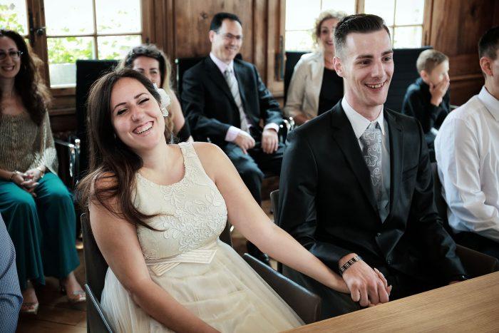 Gioa sorrisi ed emozioni al matrimonio in comune nel canton Zurigo