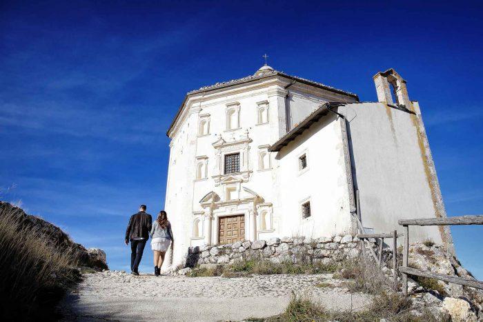 Servizo prematrimoniale a Rocca Calascio chiesa Santa Maria della Pietà