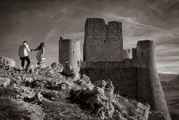 Servizo prematrimoniale a Rocca Calascio in arrivo al castello