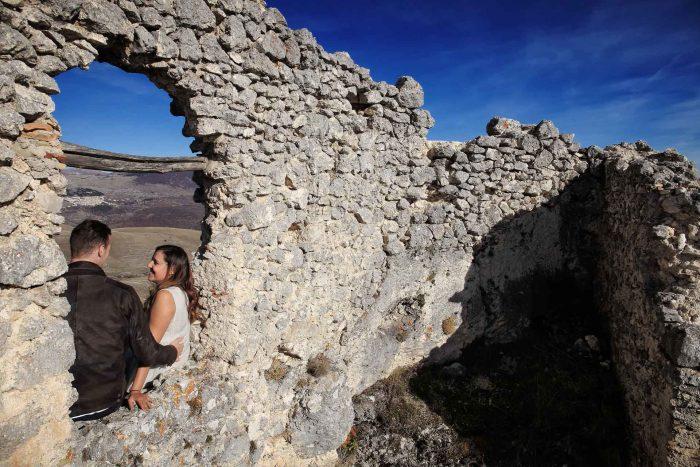 Servizo prematrimoniale a Rocca Calascio tra i resti del borgo