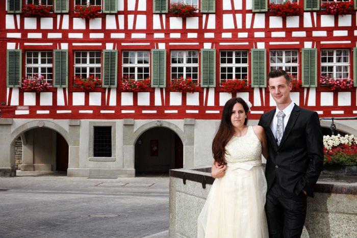 Sessione fotografica in esterna del matrimonio civile in Svizzera